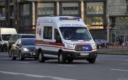 У Харкові невідомі потрощили авто швидкої, яке приїхало на виклик