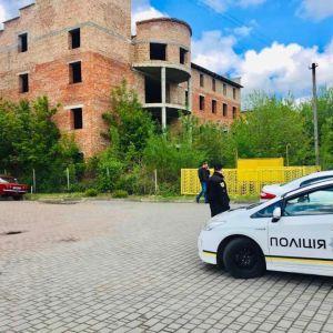 Знайшли у ліфтовій шахті недобудови: в Івано-Франківську загадково загинули двоє чоловіків