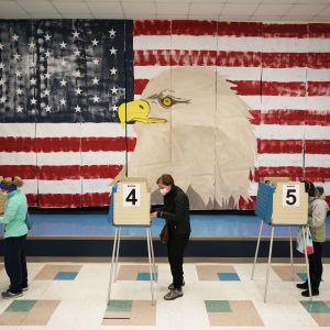 Россия пыталась вмешиваться в президентские выборы США 2020 — Reuters