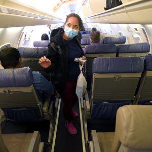 У літаку з Анталії до Запоріжжя побилися пасажирки: жінка розбила голову дівчині