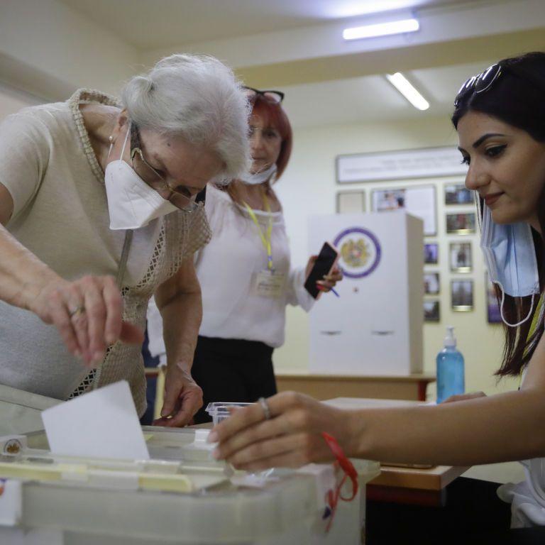Выборы в Армении: лидирует партия и.о. премьер-министра