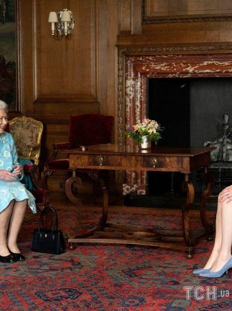 Королева Єлизавета II і Нікола Стерджен / © Getty Images