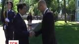 Премьер Японии Синдзо Абэ прибыл в Украину