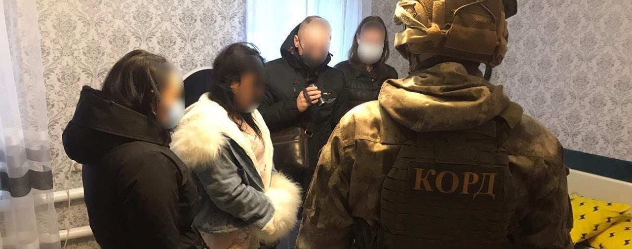 Женщина обманула 500 украинцев на полмиллиона гривен под видом продажи одежды в Интернете