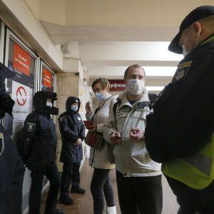 В Киеве на Пасху могут ослабить карантин: что позволят в столице