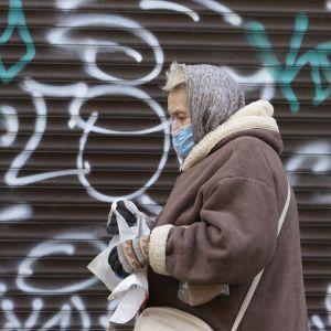 """""""Переломний момент ще не настав"""": лікар розповів, чому Європа """"палає"""" від коронавірусу, а в Україні """"все добре"""""""