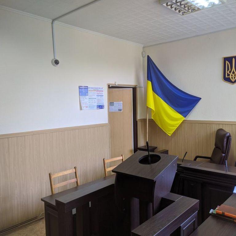 Пока мать была в роддоме, отец развращал 6-летнюю дочь: суд Запорожья вынес приговор