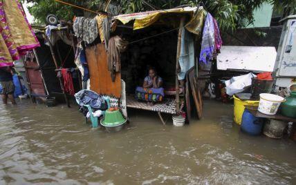 На Индию снова обрушился мощный циклон: эвакуировали более миллиона человек