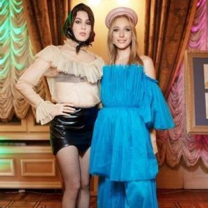 Зірки на показі Hayk Avanesyan: Осадча у синій сукні, MARUV у шкіряній міні-спідниці