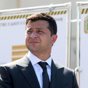 Заявления Зеленского о деолигархизацию более 35% украинский считают популизмом — опрос SOCIS
