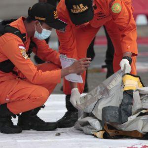 Авіакатастрофа в Індонезії: ідентифіковано першу жертву