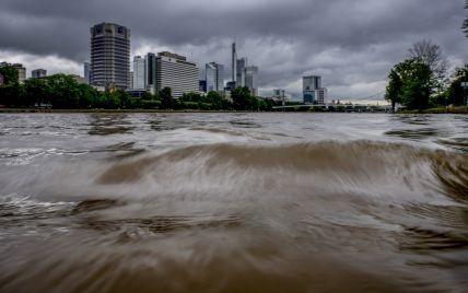 Німеччина потерпає від сильних паводків: понад десять загиблих та 70 зникли безвісти