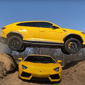 Скандальный блогер опубликовал экстремальное видео, как перепрыгивает на Lamborghini Urus через Lamborghini Aventador