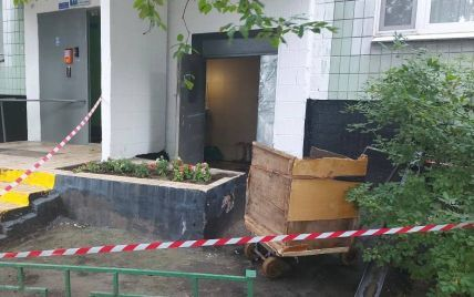 В Москве новорожденную девочку выбросили в мусоропровод (фото)