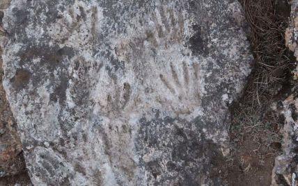 В горах Тибета нашли образцы древнейшего искусства: что известно о его создателях