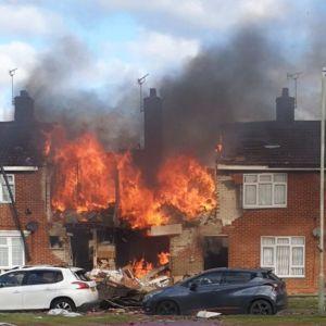 Вибухом у будинку Великої Британії поранило сімох людей