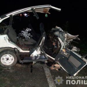 Від удару авто розтрощило: у Львівській області у ДТП загинули хлопці віком 16 та 20 років, багато потерпілих