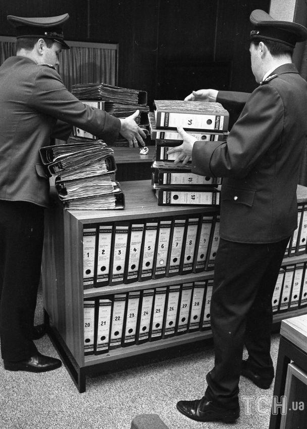 Файлы с доказательствами, собранные за последние шесть лет, 27 мая 1968 года / © Associated Press