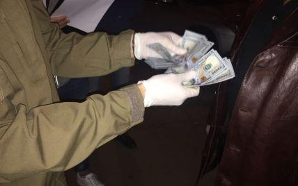Офицер Генштаба ВСУ попался на взятке в 3 тысячи долларов