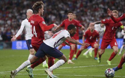 Скандальний пенальті в матчі Англія - Данія: в УЄФА вперше прокоментували пірнання Стерлінга
