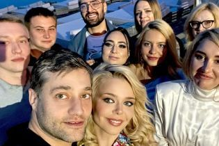 Алина Гросу отпраздновала 26-летие в объятиях любимого и с Камалией и Козловским
