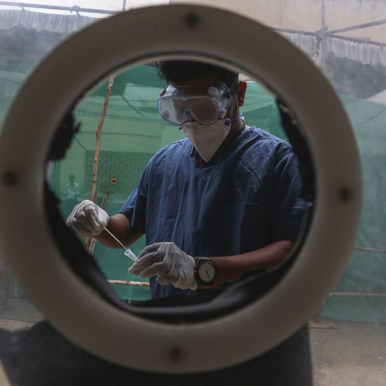 """У ВООЗ заявили, що новий штам коронавірусу """"Дельта"""" вдвічі заразніший"""