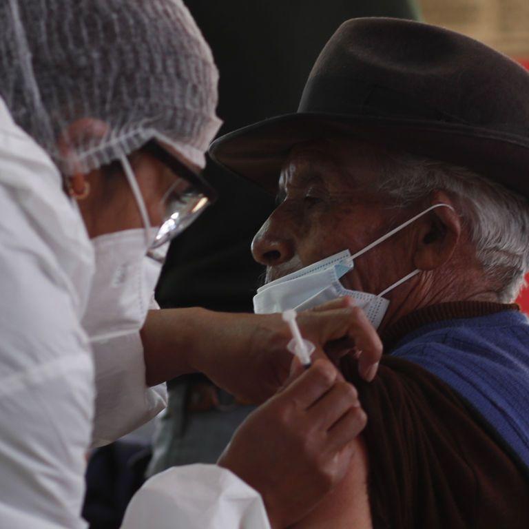 """Глава ВОЗ заявил о """"знаменательном моменте в борьбе"""" с пандемией коронавируса"""