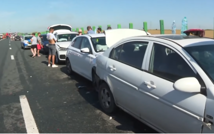 Столкновение 55 автомобилей в Румынии: пострадали 17 человек