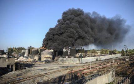 На нефтебазе под Васильковом снова горят два резервуара