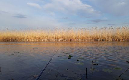 У ставку в Хмельницькій області знайшли мертвим 26-річного молодика