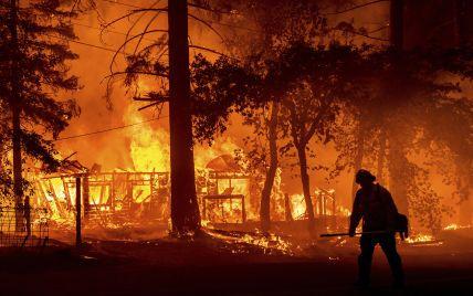 Спалені будинки, автівки, евакуйовані люди: США охопили масштабні лісові пожежі (відео)