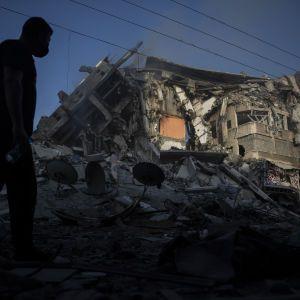 Армия Израиля разрабатывает варианты наземной операции против ХАМАС