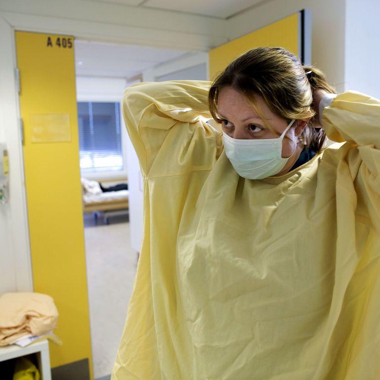 Вчені виявили людей з імунітетом до коронавірусу ще до інфікування ним