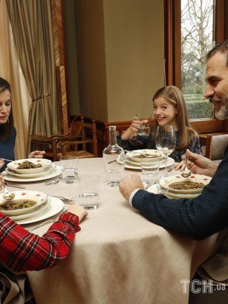 Король Филипп VI с семьей / © Getty Images