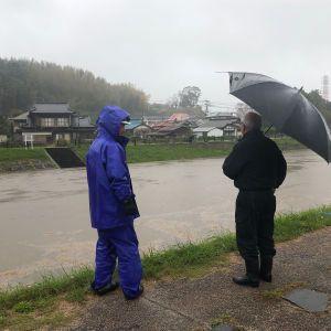 Японією пронісся потужний торнадо: вітер перевертав автомобілі