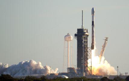Космічні туристи: мільярдер, асистентка лікаря, експілот ВВС та професорка коледжу вперше вирушать на навколоземну орбіту