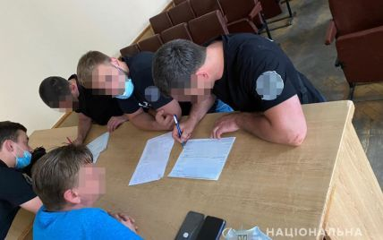 Через сутички біля Офісу президента під час ЛГБТ-акції поліція затримала двох осіб