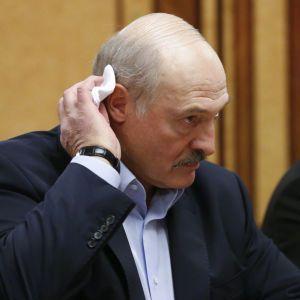 """Лукашенко звинуватив Київ і Львів у відмові прийняти Ryanair після повідомлення про """"мінування"""""""