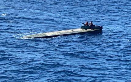 Поблизу Колумбії затримали підводний човен із двома тоннами кокаїну