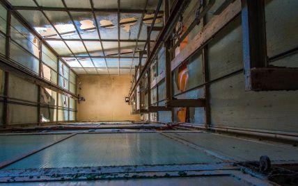 В Киеве в шахте лифта недостроенной многоэтажки нашли труп мужчины