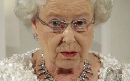 Они вошли в историю: королева Елизавета II и еще три самых долгоправящих монарха