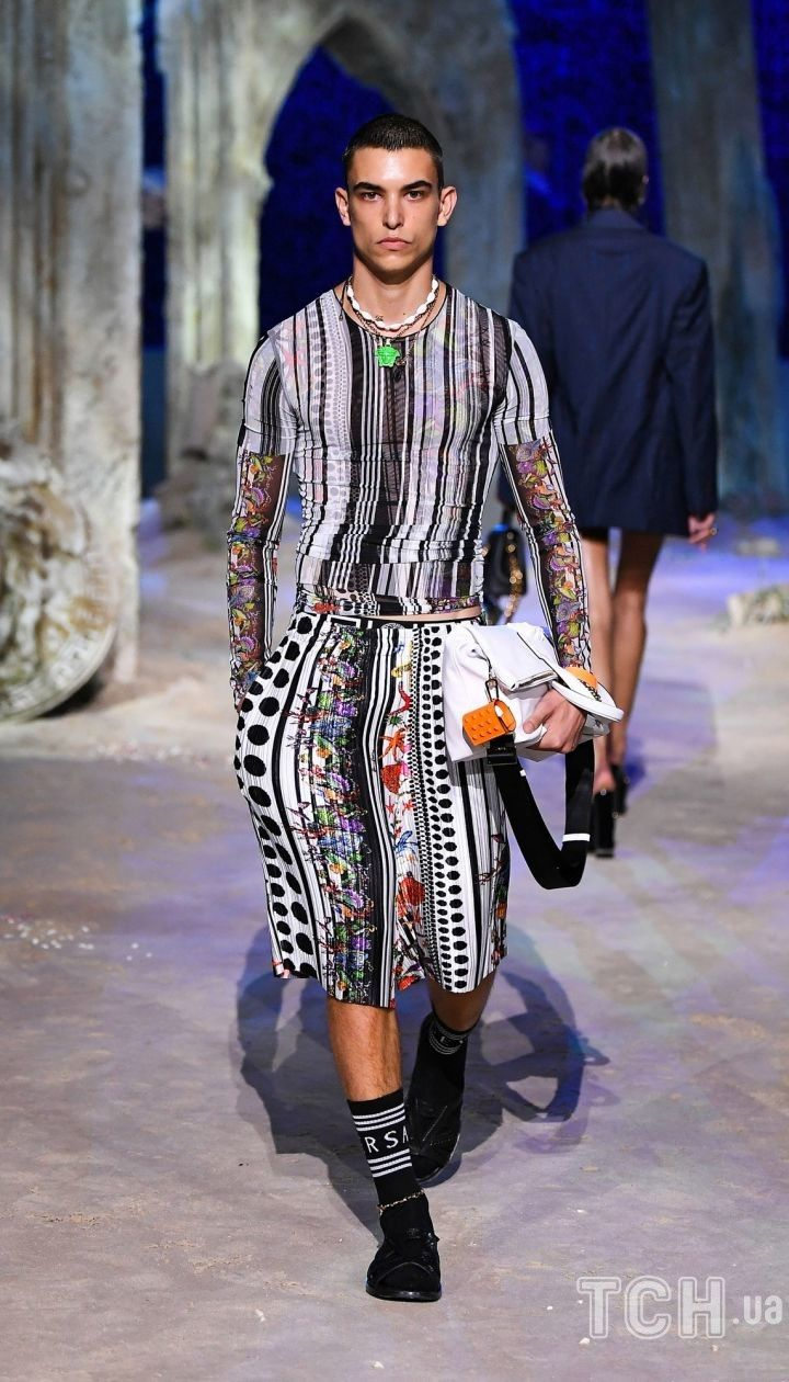Коллекция Versace трет-а-порте сезона весна-лето 2021 / © East News