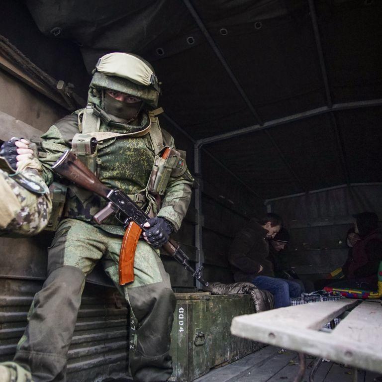 Україна пустить бойовиків інспектувати свої позиції: головне про скандальне рішення