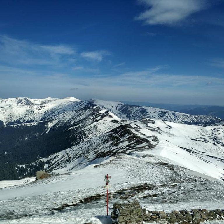 Погода в Карпатах: спасатели предупреждают о снеголавинной опасности