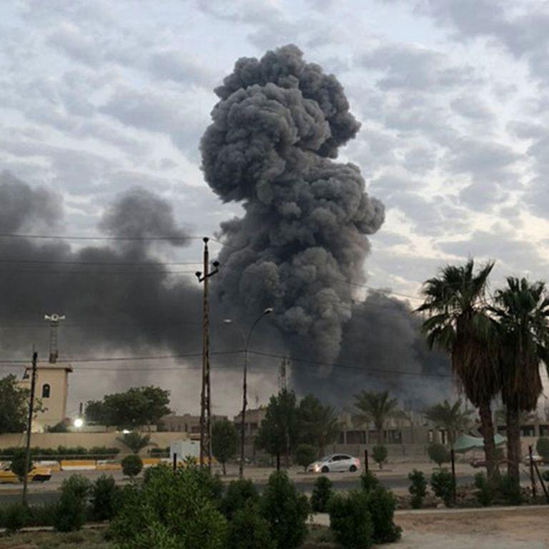 """В Багдаде ракеты обстреляли """"зеленую зону"""" - СМИ"""