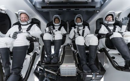SpaceX вночі вперше відправить туристів у космос: онлайн-трансляція місії Inspiration4