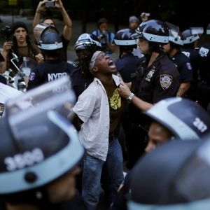 """Кровавое правосудие со смертельным исходом. Что нужно знать о """"войне"""" граждан и полиции в США"""