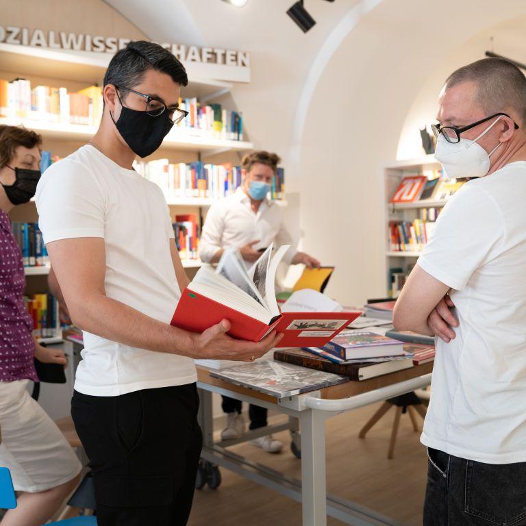 """На """"Книжном Арсенале"""" объявили самую красивую книгу Украины 2021 года"""