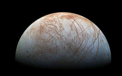 Космічний апарат Ілона Маска буде досліджувати крижану Європу у пошуках життя