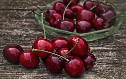 Украинские фермеры уничтожают урожай черешни: что случилось и повлияет ли это на стоимость ягоды